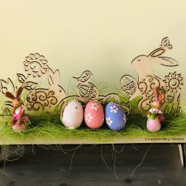 Decorazione legno Prato e coniglietti