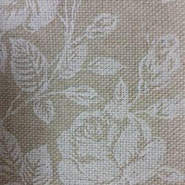Tessuto ecru con rose bianche